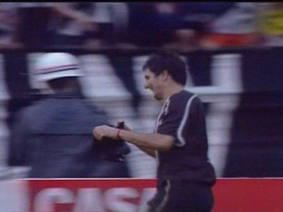 Em 2003, Gigena entrou para a história ao marcar os três gols de Ponte Preta 3 x 1 Guarani