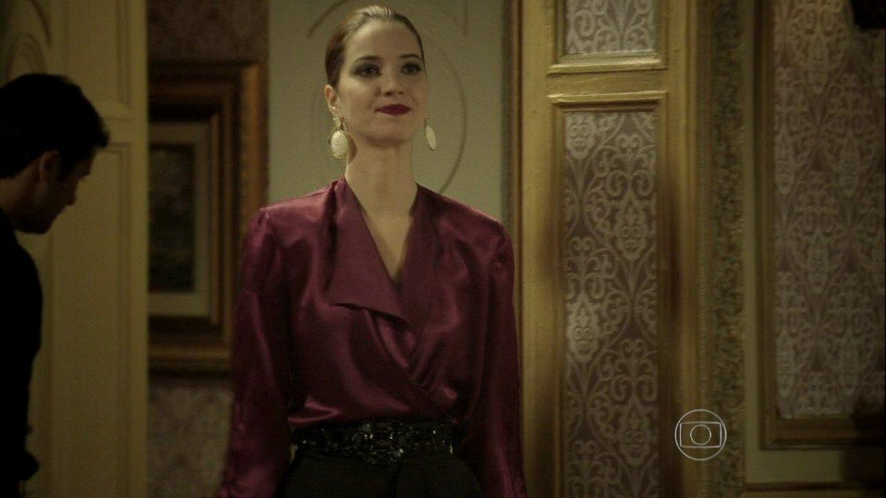 Joia Rara - capítulo de quinta-feira, dia 17/10/2013, na íntegra - Sílvia flagra Franz e Amélia no quarto do hotel onde ele está hospedado