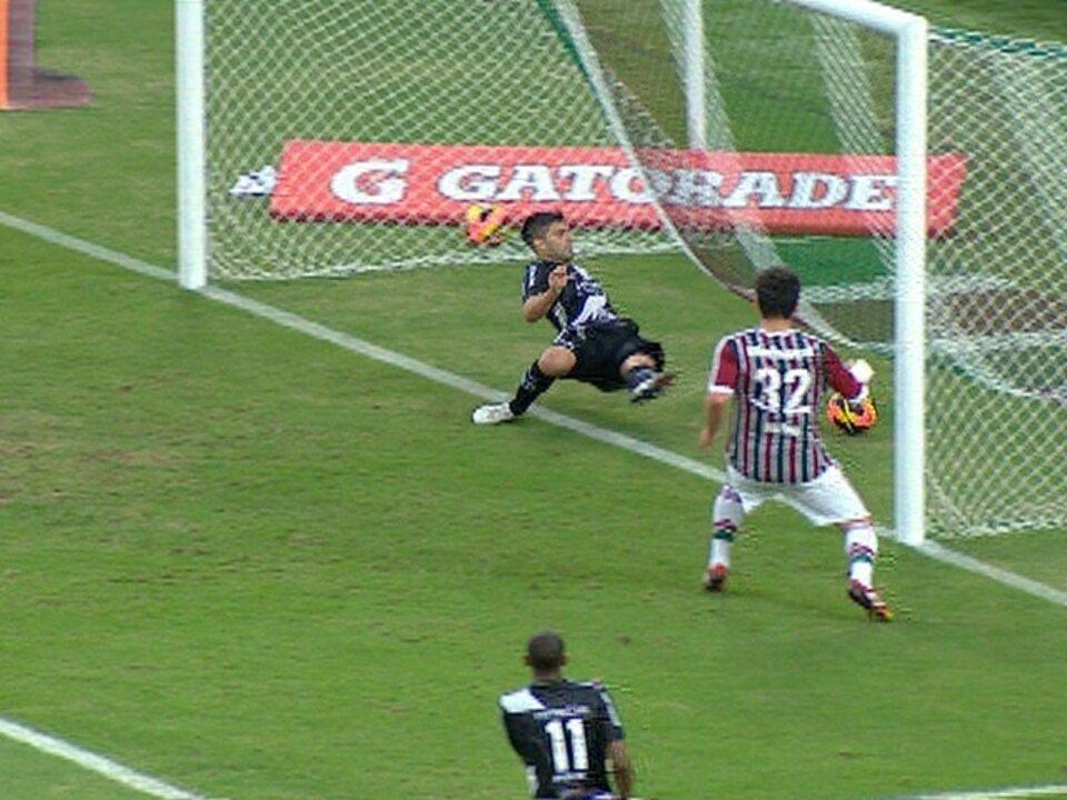 Gol do Fluminense! Marcos Junior cruza, e Diego Sacoman marca contra aos 39 do 2º tempo