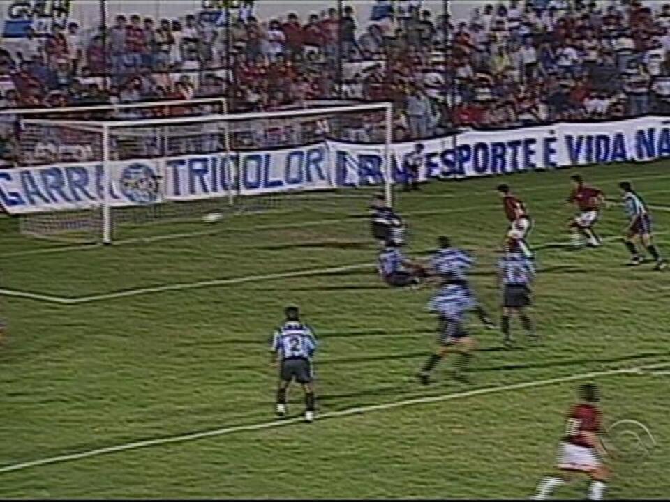 'Baú do Esporte' relembra decisão entre Grêmio e Atlético-PR na Copa do Brasil de 1996