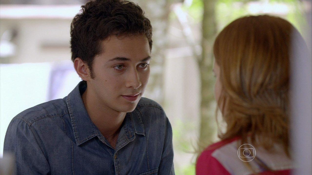 Malhação - Capítulo de quarta-feira, dia 27/11/2013, na íntegra - Flaviana tenta beijar Antônio