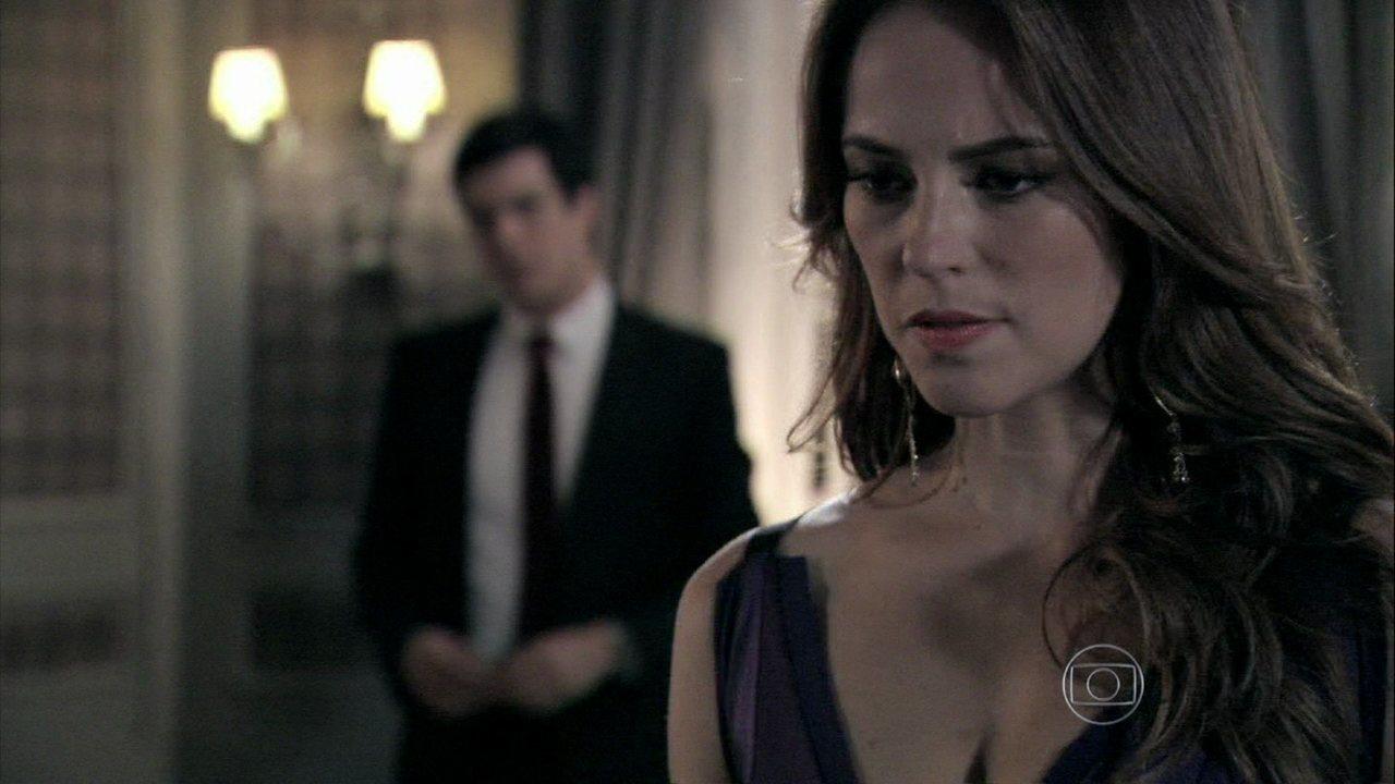 Amor à Vida - Capítulo de quarta-feira, dia 08/01/2014, na íntegra - Paloma tenta convencer Félix a ajudá-la a desmascarar Aline