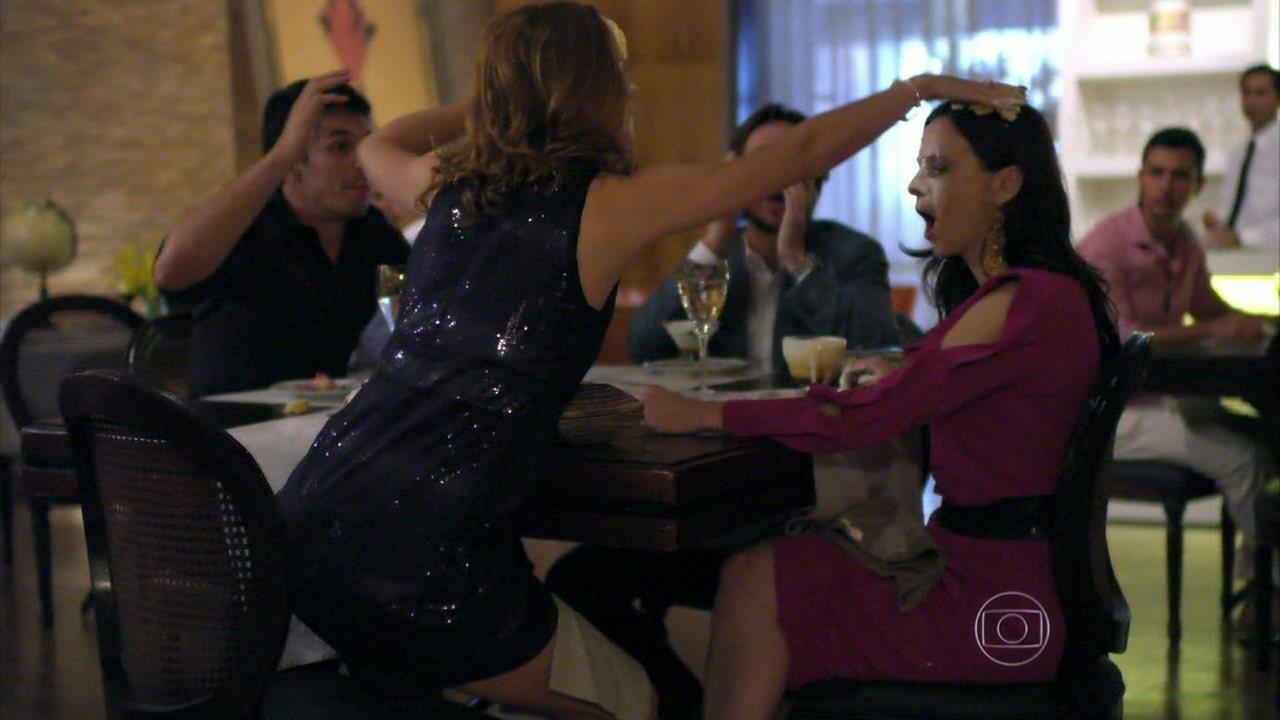Além do Horizonte - Capítulo de quinta-feira, dia 06/02/2014, na íntegra - Inês e Priscila se desentendem