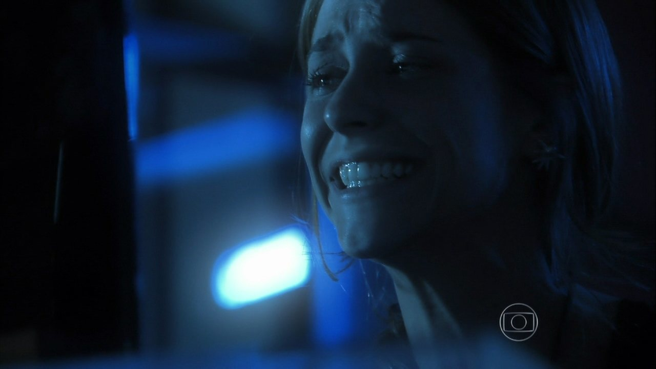 Além do Horizonte - capítulo de quinta-feira, dia 13/02/2014, na íntegra - Paulinha encontra a fórmula final
