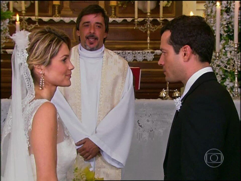 Caras e Bocas - capítulo de quinta-feira, dia 27/02/2014, na íntegra - Reveja a trama de Walcyr Carrasco