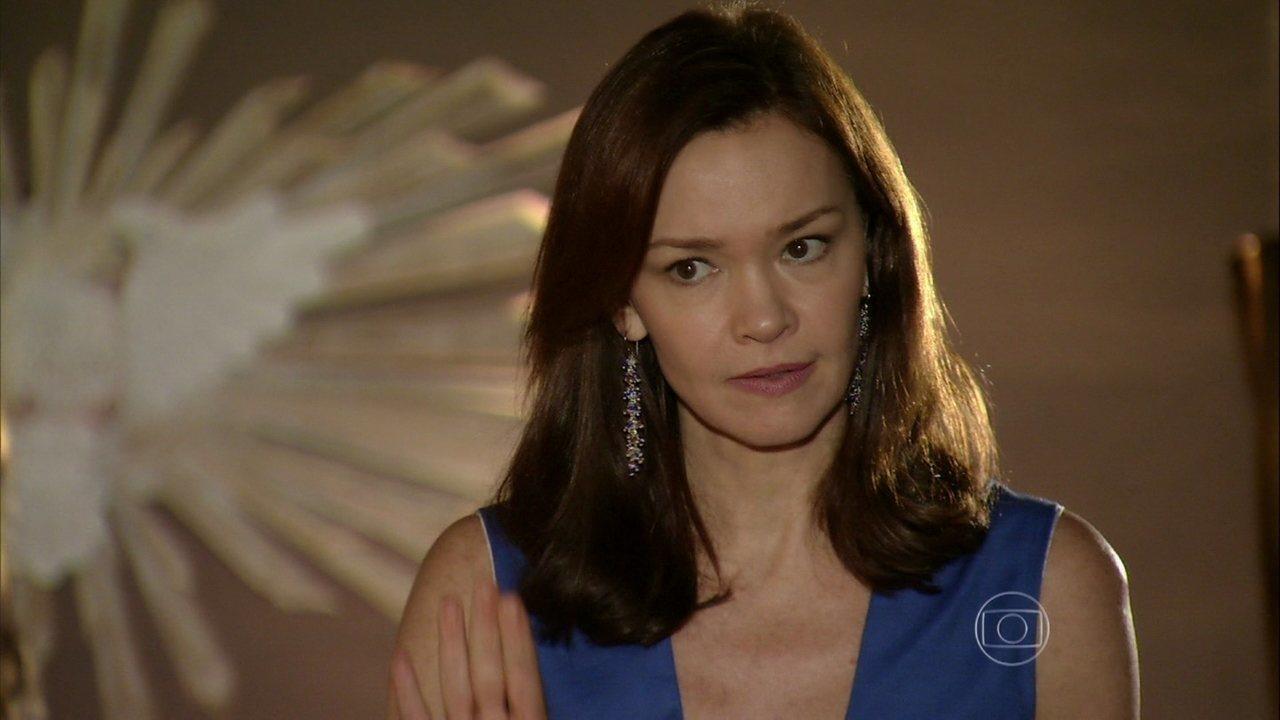 Em Família - Capítulo de Quarta-Feira, dia 05/03/2014, na íntegra - Helena reclama por Luiza defender Shirley