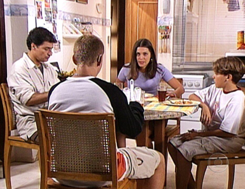Família de Afonso e Linda em 'Malhação'