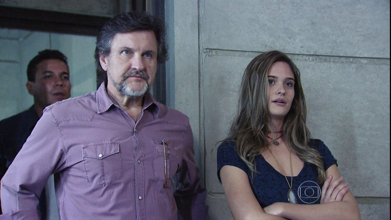 Além do Horizonte - capítulo de quinta-feira, dia 27/03/2014, na íntegra - Lili enfrenta Celina na frente de LC e pede que o pai coloque os cúmplices de William na máquina