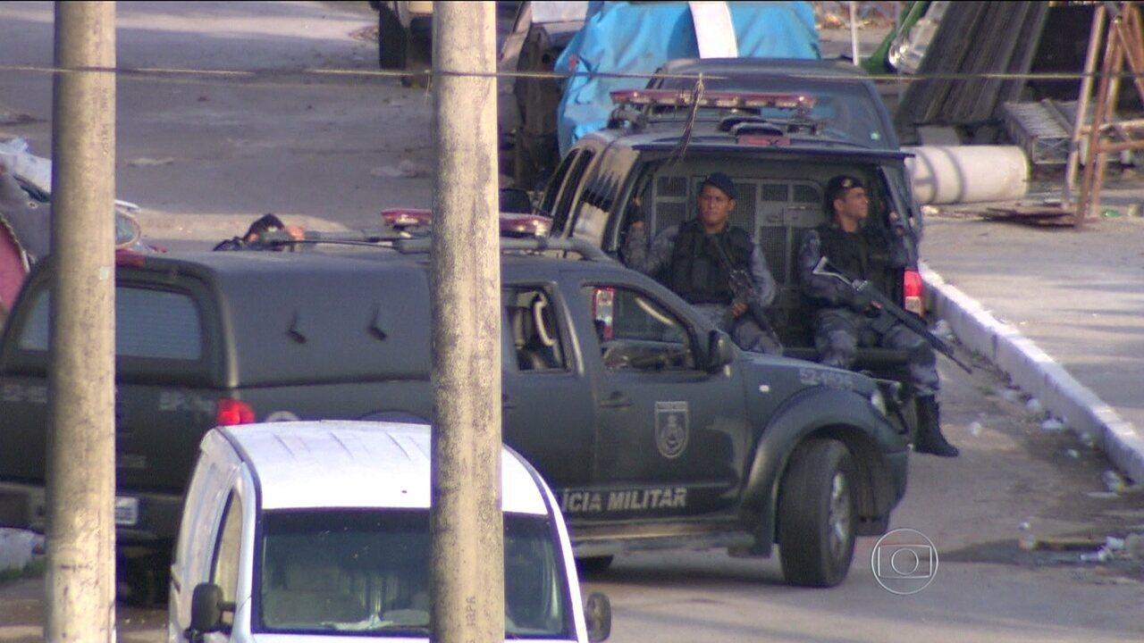 Em 2014, PF prendeu no Rio cinco policiais da UPP da Rocinha, e Danúbia no Mato Grosso do Sul; veja reportagem do Bom Dia Brasil na época