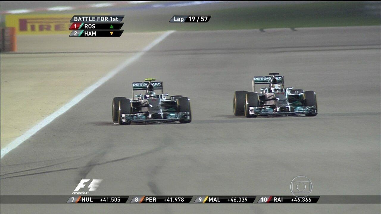 Duelo de Mercedes: Rosberg e Hamilton travam duelo incrível no GP do Barein