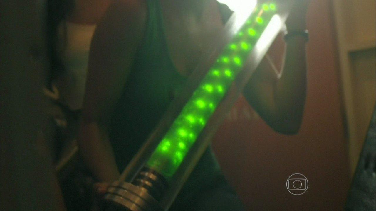 Além do Horizonte - Capítulo de terça-feira, dia 15/04/2014, na íntegra - Celina, Rafa e Fátima encontram a substância que completa a fórmula criada por Marlon