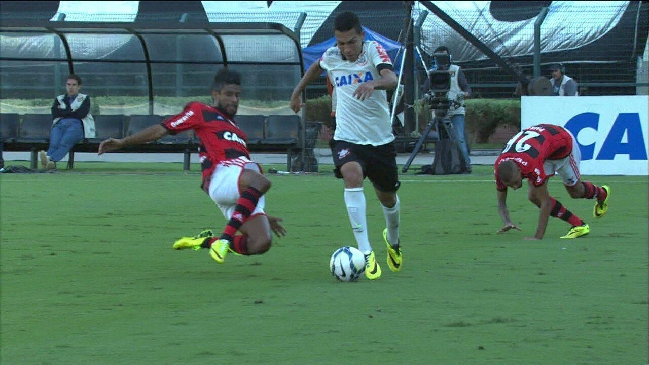 Melhores momentos: Corinthians 2 x 0 Flamengo pela 2ª rodada do Brasileirão 2014
