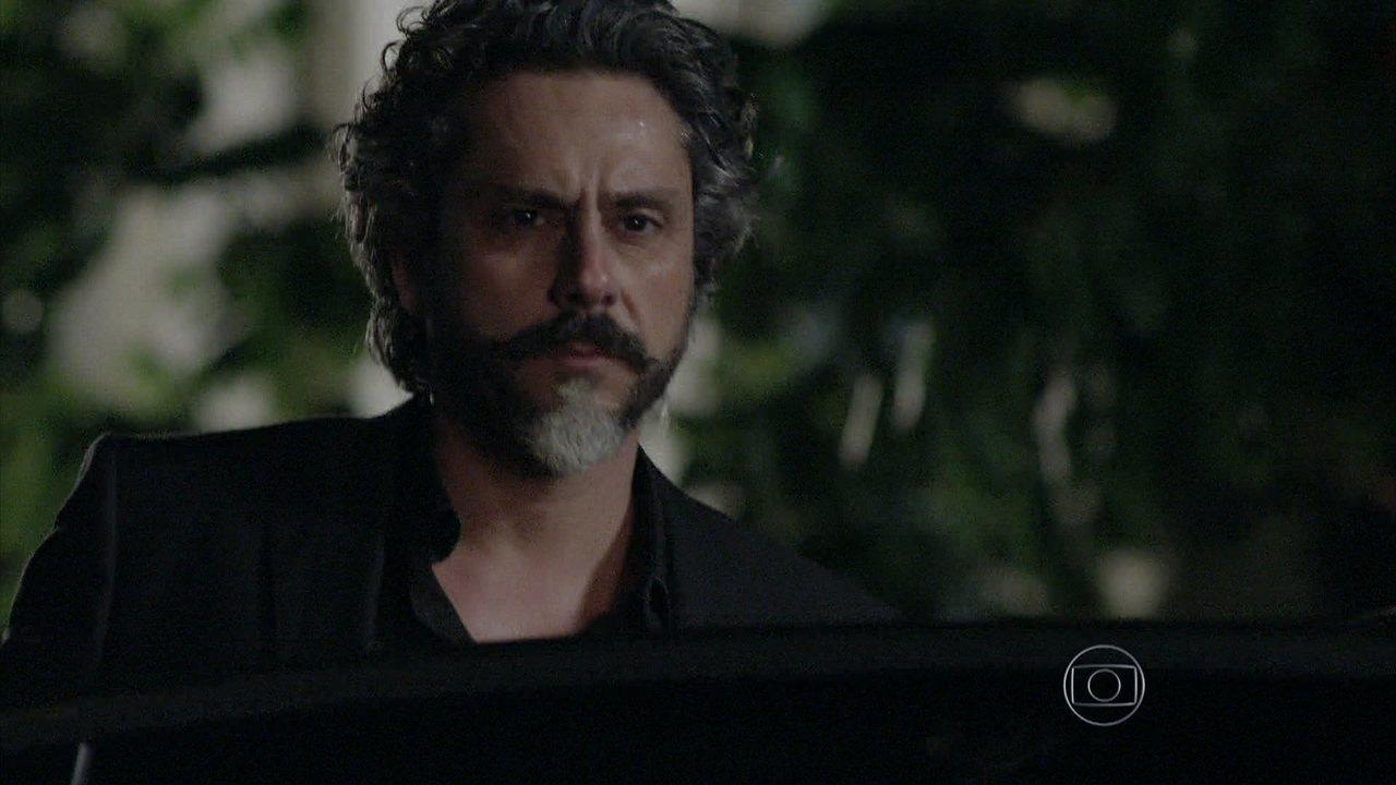 Império - Capítulo de segunda-feira, dia 04/08/2014, na íntegra - José Alfredo se enfurece ao rever Cristina