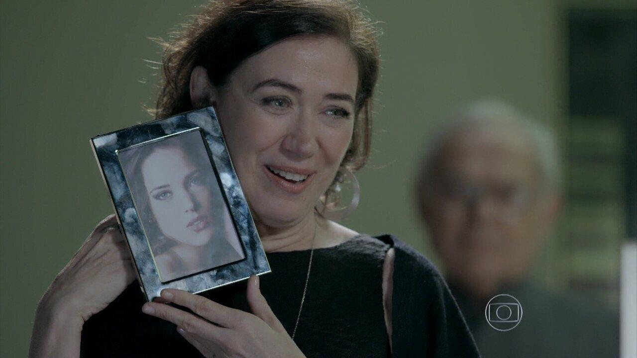 Império - Capítulo de segunda-feira, dia 01/09/2014, na íntegra - Maria Marta comunica que sua sobrinha Amanda irá morar com eles