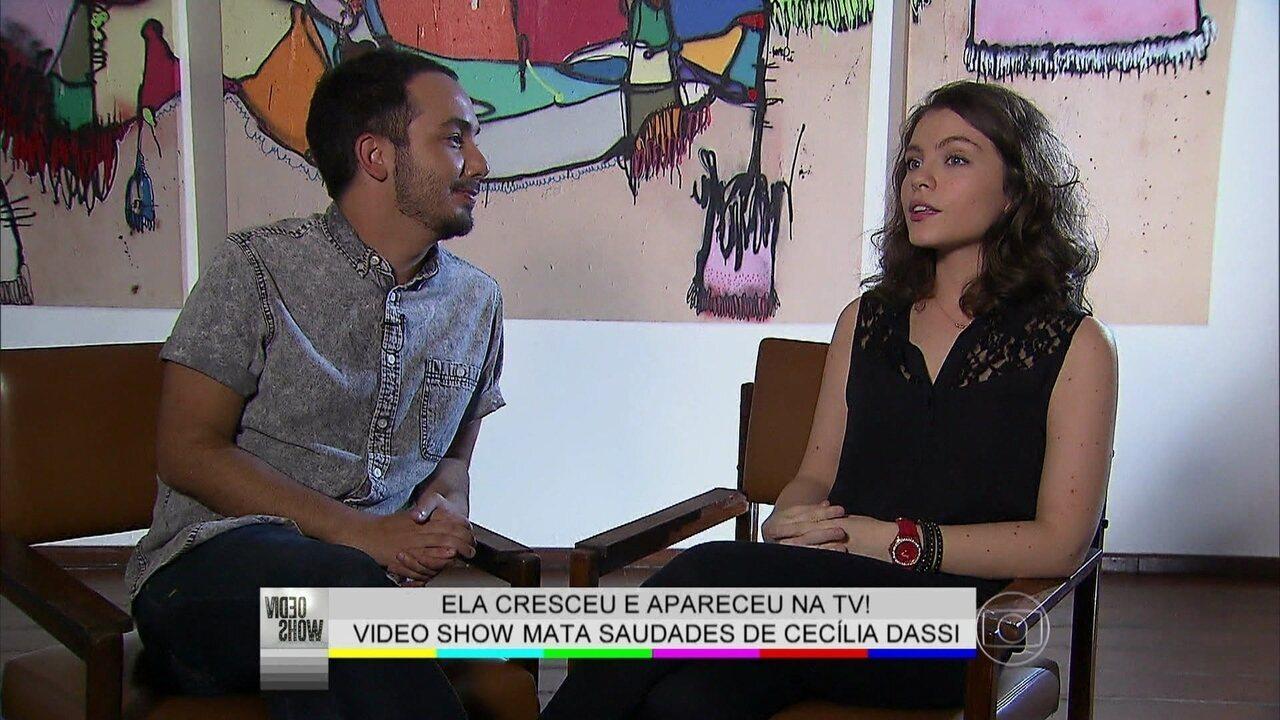 Cecília Dassi relembra primeiro beijo da vida e da TV em Kayky Brito
