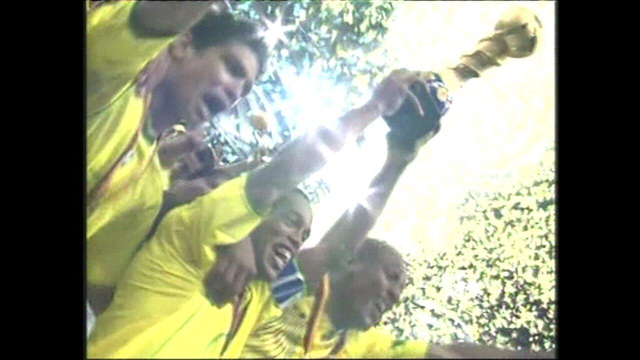 Em 2005, Brasil goleia Argentina pela final da Copa das Confederações