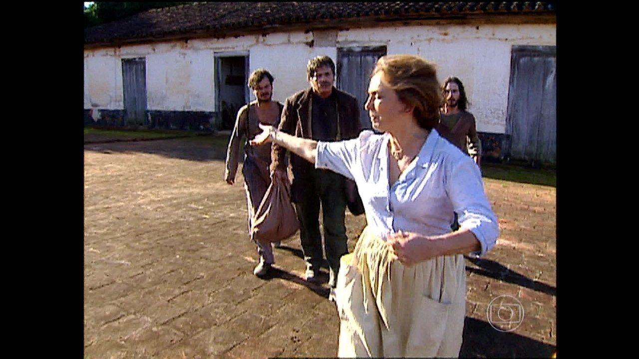 O Rei do Gado - capítulo de sexta-feira, dia 16/01/15, na íntegra - Família de Giovanna percebe que ela fugiu
