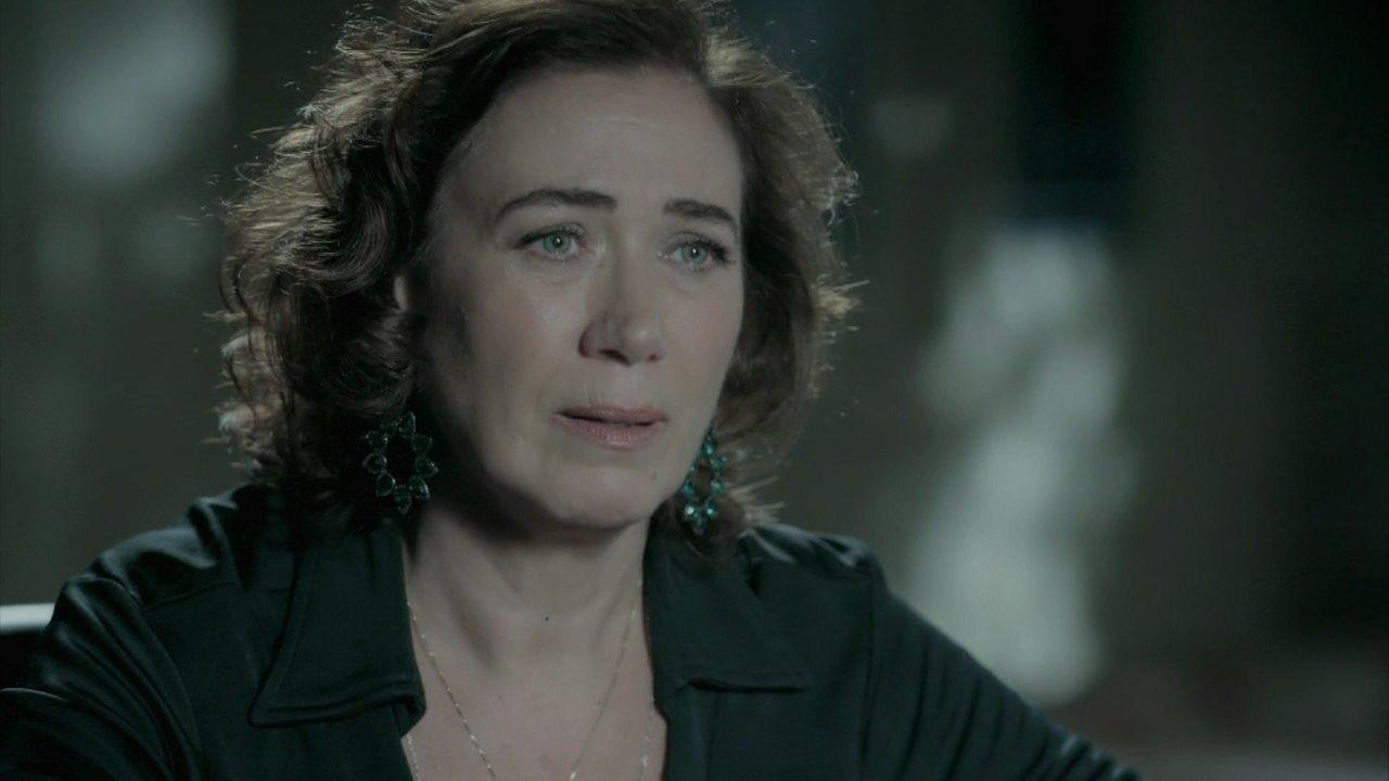 Império - Capítulo de sexta-feira, dia 23/01/2015, na íntegra - Maria Marta pede que Cristina transmita um recado a José Alfredo