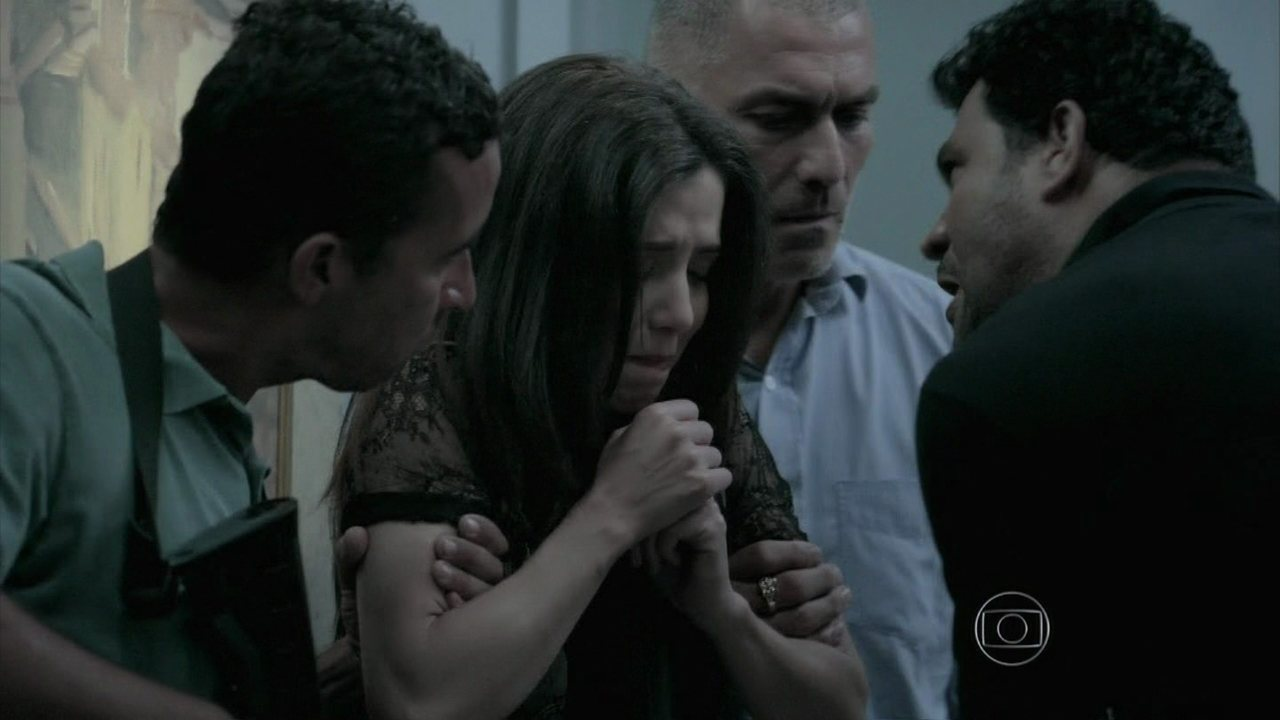 Império - Capítulo de quinta-feira, dia 29/01/2015, na íntegra - Capangas em busca de Zé amordaçam Batista e Cora