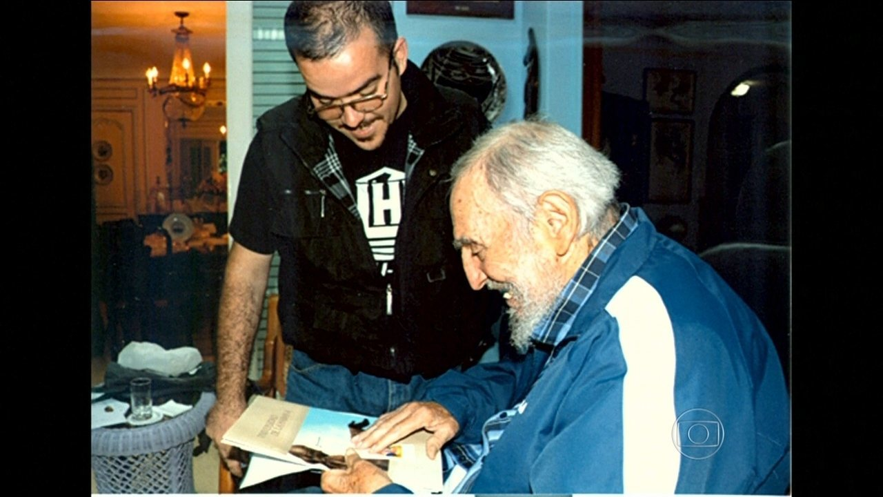 Cuba divulga primeiras fotos de Fidel Castro desde agosto do ano passado