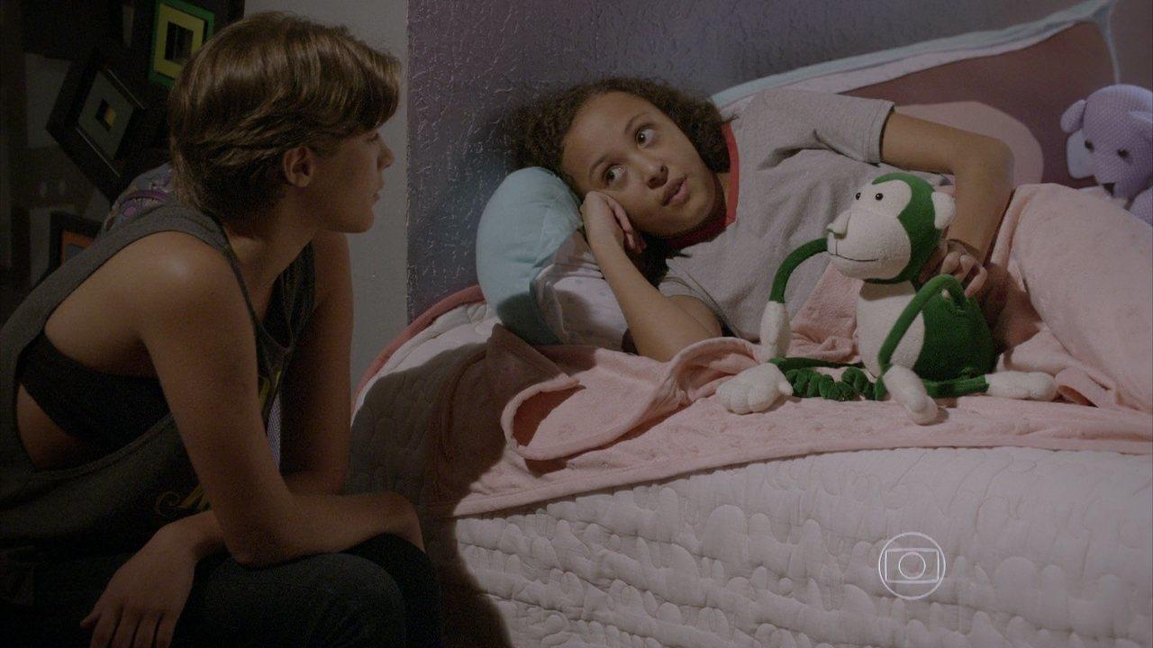 Malhação - capítulo de quinta-feira, dia 12/02/15, na íntegra - Tomtom tenta contar o segredo de Pedro para Karina