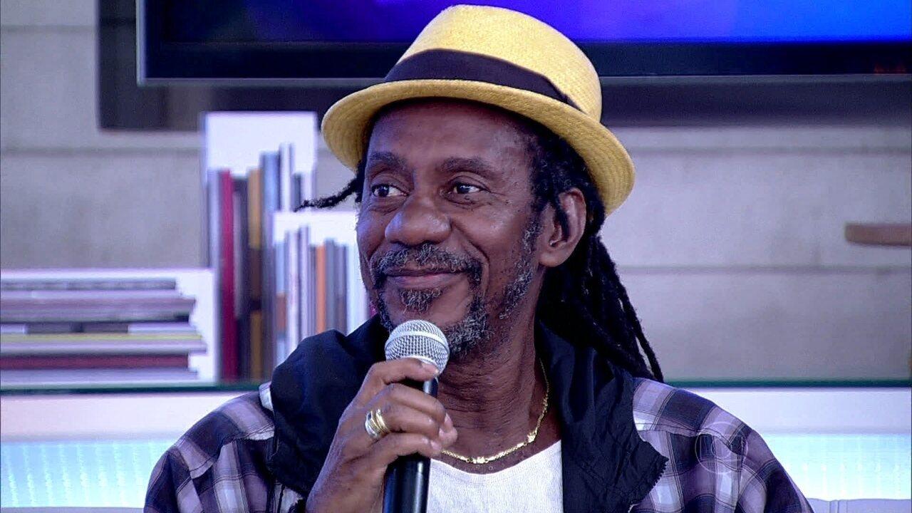 Luiz Melodia canta trecho de 'Juventude Transviada', no 'Encontro'