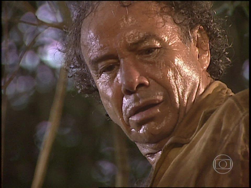 O Rei do Gado - capítulo de segunda-feira, dia 23/03/15, na íntegra - Zé do Araguaia encontra uma pista de Bruno