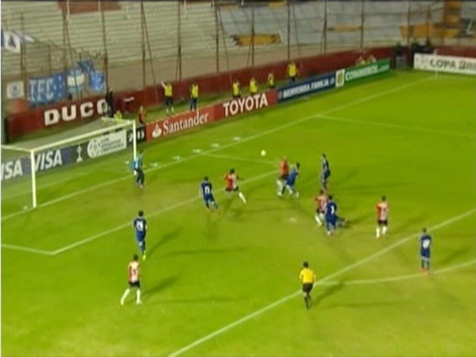 Cruzeiro perde para o Huracan na Libertadores