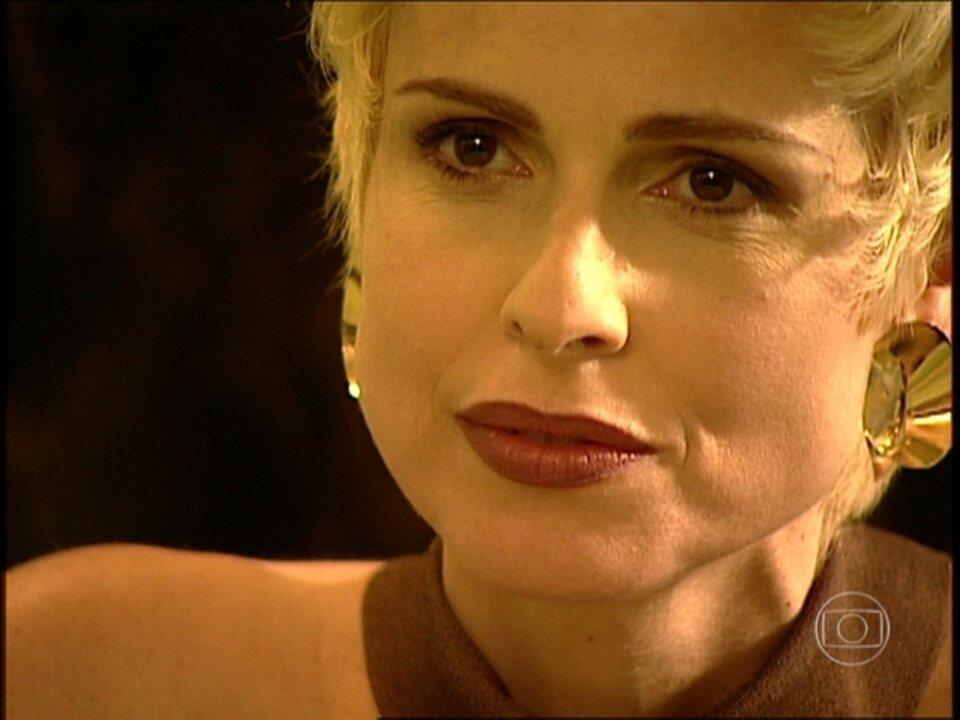 O Rei do Gado - capítulo de segunda-feira, dia 20/04/15, na íntegra - Léia conta para Bruno que vai se casar com Ralf