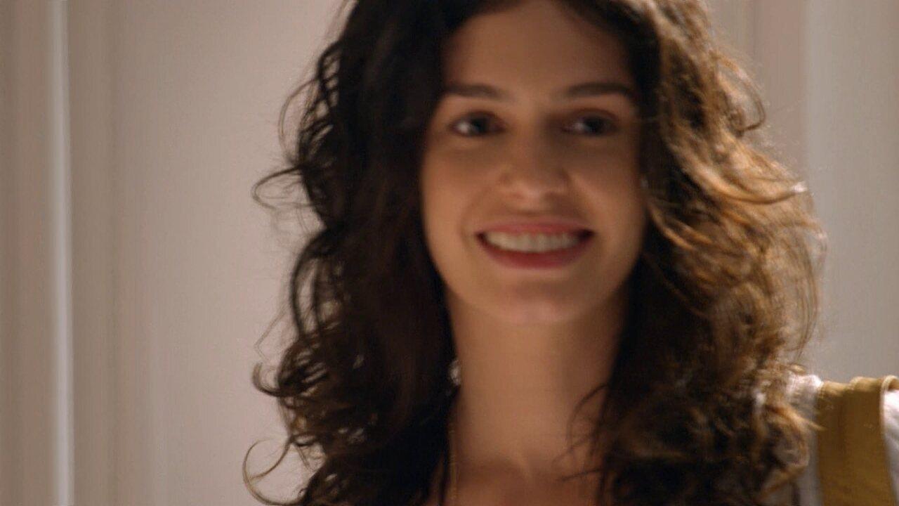 Sete Vidas - Capítulo de terça-feira, dia 28/04/2015, na íntegra - Taís chega de surpresa e encontra Pedro e Júlia no quarto