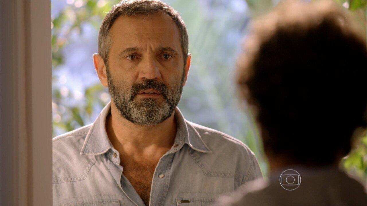 Sete Vidas - Capítulo de sábado, dia 16/05/2015, na íntegra - Miguel vai atrás de Pedro