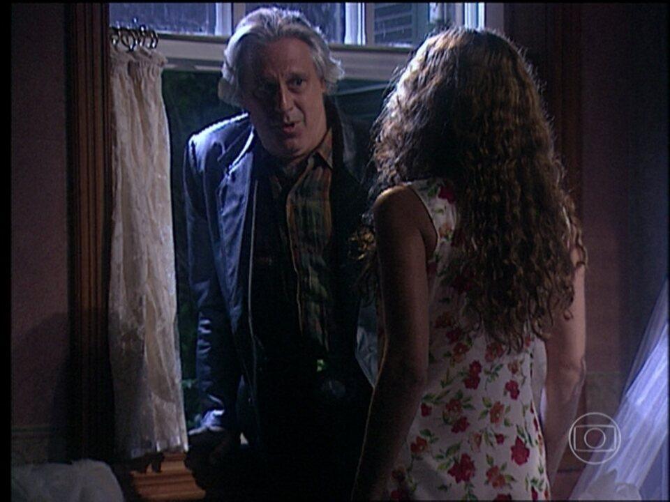 O Rei do Gado - capítulo de quinta-feira, dia 21/05/15, na íntegra - Bruno surpreende Luana durante a noite e pula a janela de seu quarto