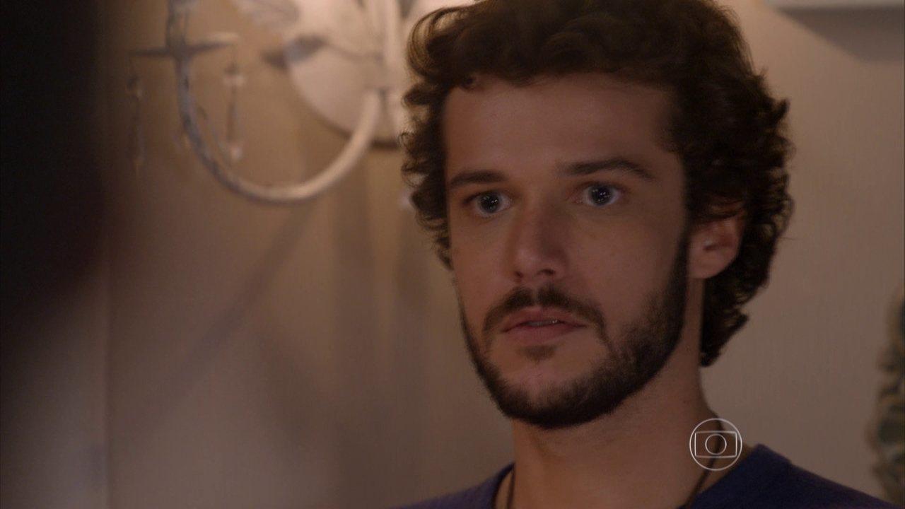 Sete Vidas - Capítulo de quarta-feira, dia 27/05/2015, na íntegra - Pedro vê Júlia e Felipe se beijando