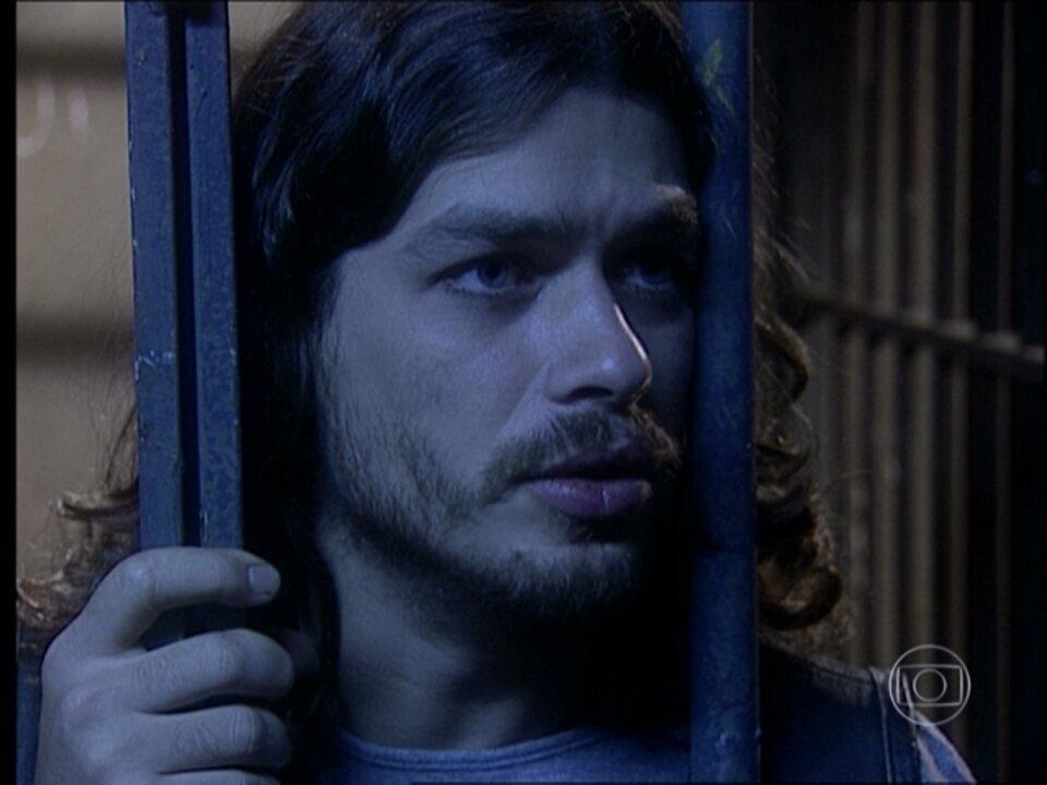 O Rei do Gado - capítulo de terça-feira, dia 23/06/15, na íntegra - Marcos é preso