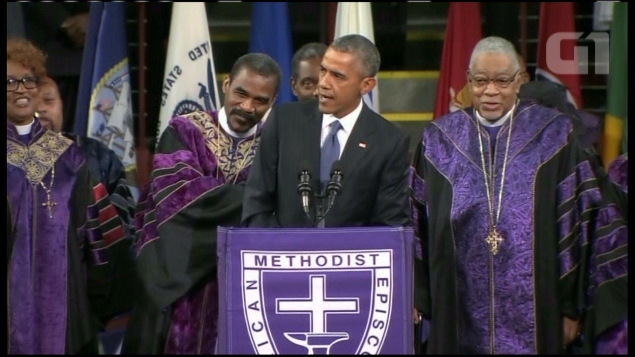 Obama canta em funeral de senador morto em igreja de Charleston