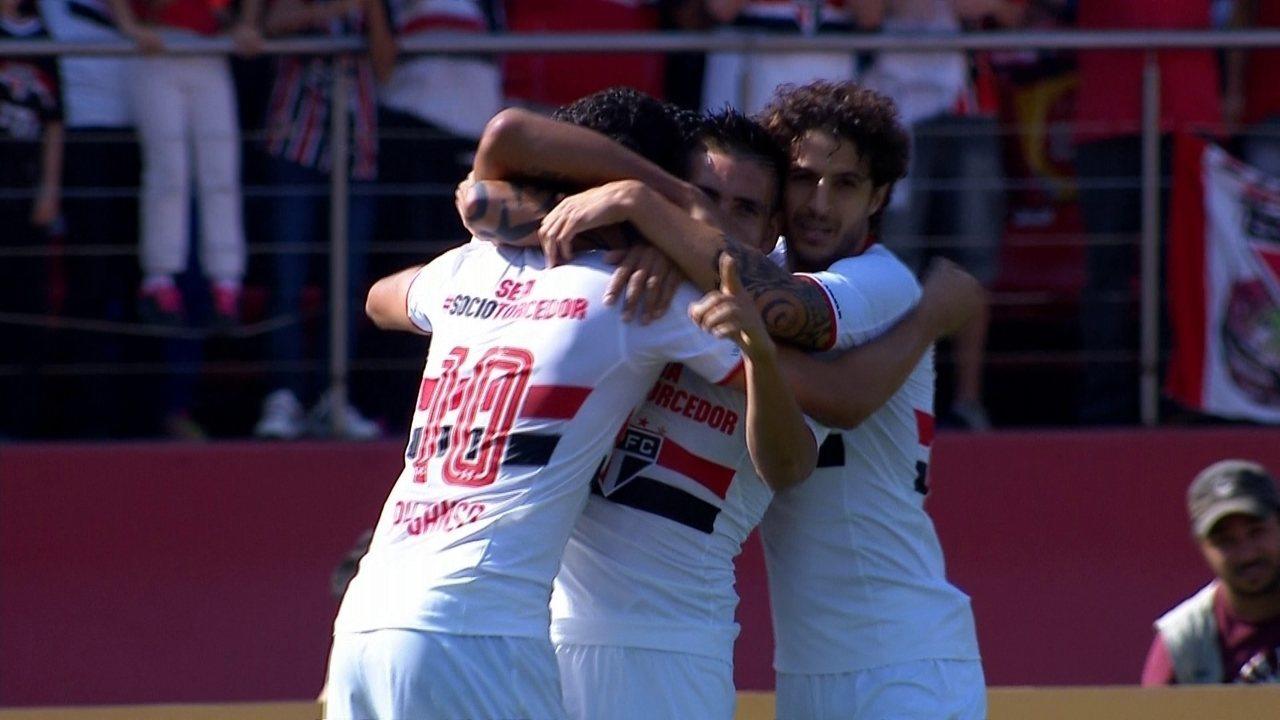 Os gols de São Paulo 3 x 1 Coritiba pela 13ª rodada do Brasileirão 2015