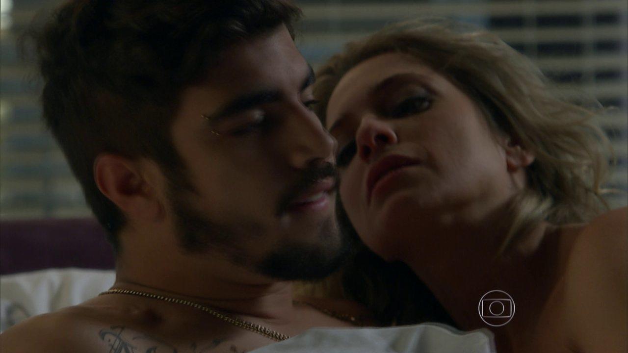 I Love Paraisópolis - Capítulo de segunda-feira, dia 13/07/2015, na íntegra - Grego e Soraya ficam juntos