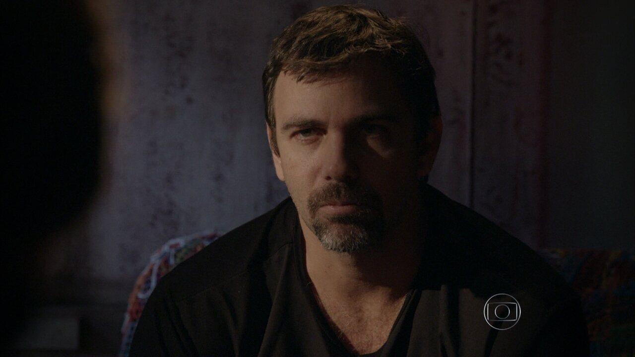 Malhação - capítulo de terça-feira, dia 11/08/2015, na íntegra - Lobão se prepara para atacar Gael