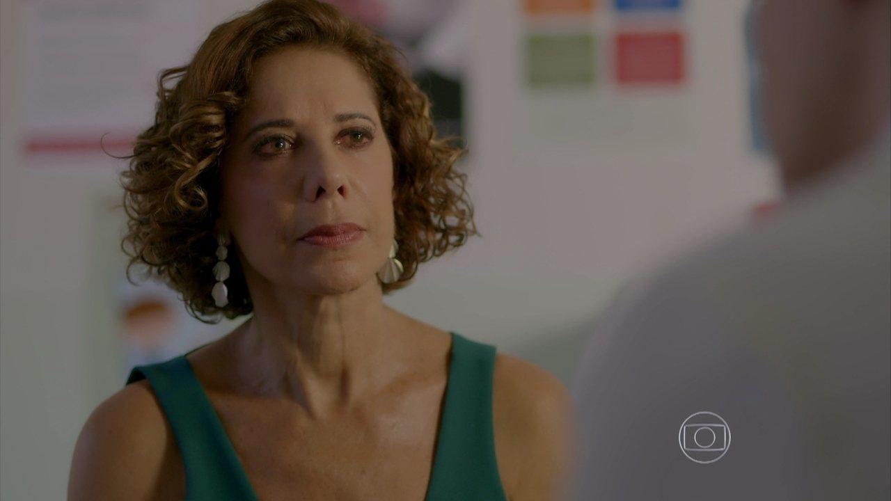 I Love Paraisópolis - capítulo de sexta-feira, dia 14/08/15, na íntegra - Clarice diz para Tomás que o casamento deles acabou definitivamente