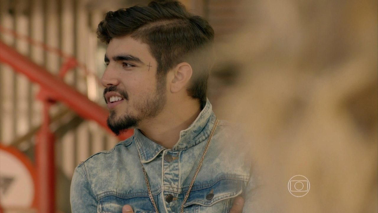 I Love Paraisópolis, capítulo de quinta-feira - dia 03/9/2015, na íntegra - Benjamin e Grego brigam por causa do bebê de Margot