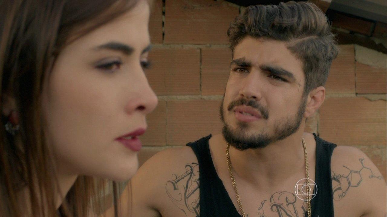 I Love Paraisópolis, capítulo de quinta-feira - dia 24/9/2015, na íntegra - Margot termina com Grego. Alceste demonstra desequilíbrio e rouba o carro de Rosicler