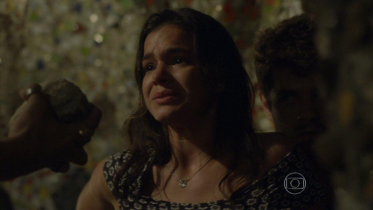 I Love Paraisópolis - capítulo de quinta-feira, dia 08/10/15, na íntegra - Mari aparta a discussão entre Benjamin e Grego