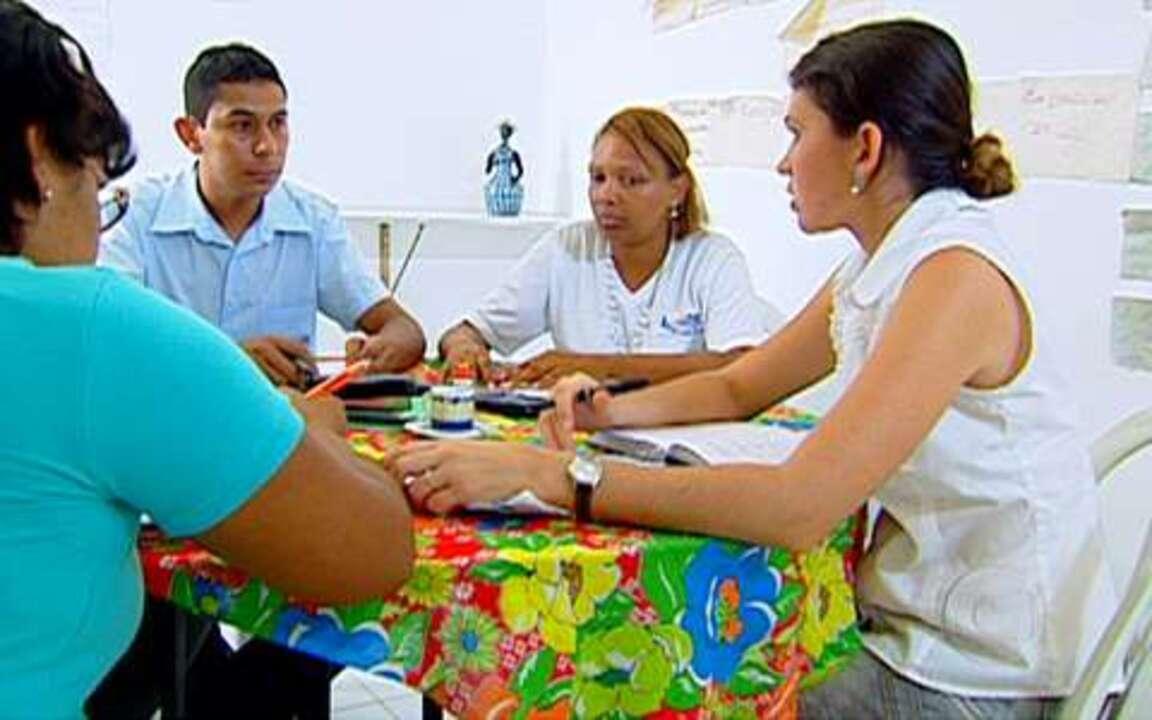 Acreditar - Em Glória do Goitá, a 80 quilômetros da capital Recife, um grupo de pessoas criou o Acreditar. A instituição financeira empresta dinheiro aos moradores de seis municípios da região.