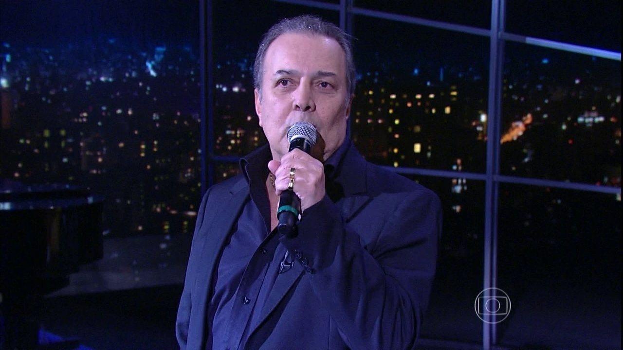 José Augusto canta 'Evidências' no Programa do Jô