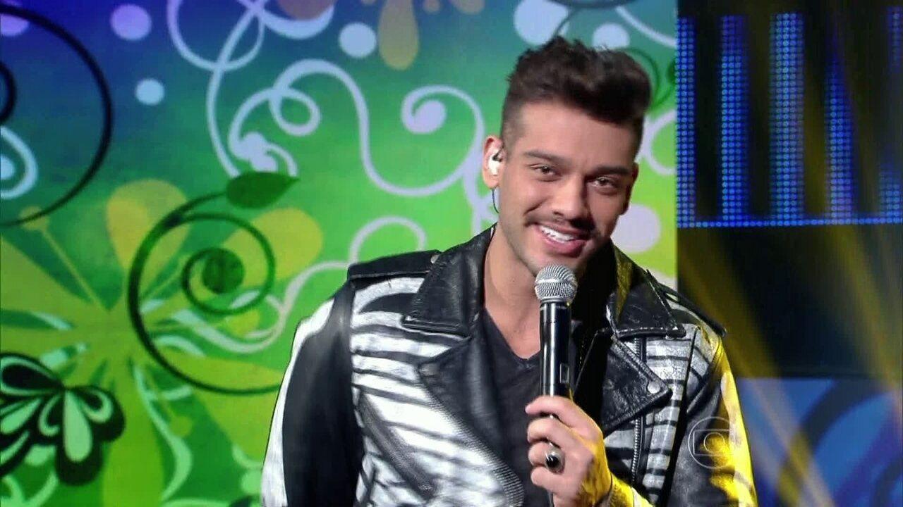Lucas Lucco canta 'Vai Vendo' no 'Caldeirão'