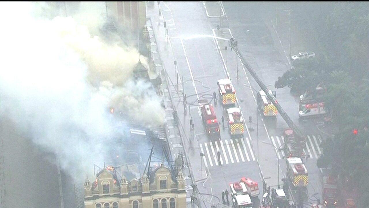 Incêndio é uma tragédia, afirma curadora do Museu da Língua Portuguesa em SP