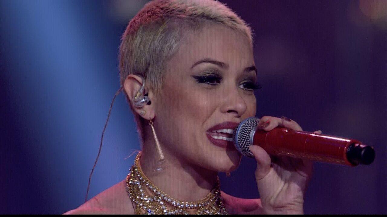 Nikki canta 'Maluco Beleza, Metamorfose Ambulante, Gita' na Final
