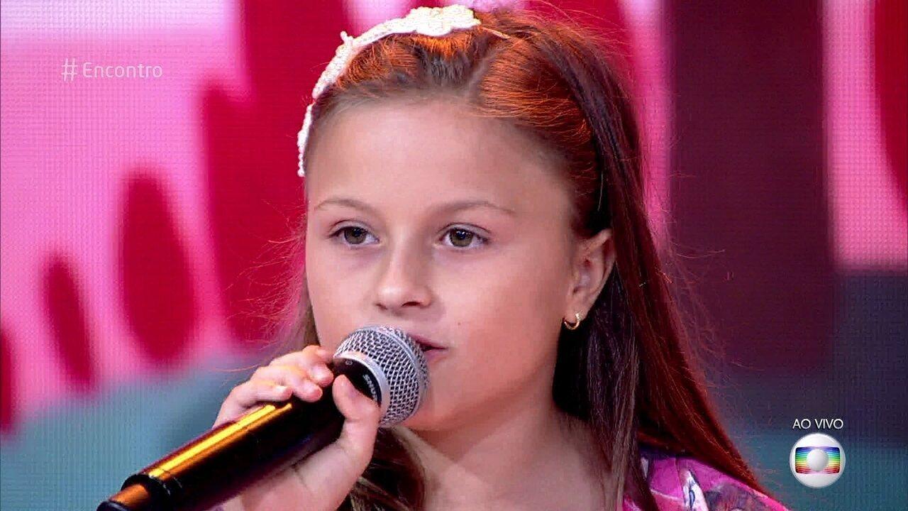 Rafa Gomes canta 'Banho de Lua'
