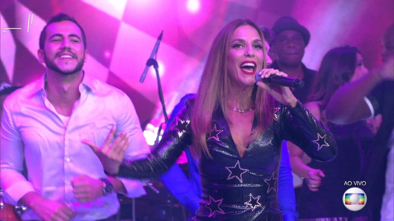 Ivete Sangalo canta sucesso 'Pra Frente' na Final do BBB16