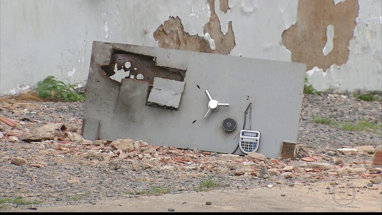 Bandidos explodem agência do Banco do Brasil em Macaparana